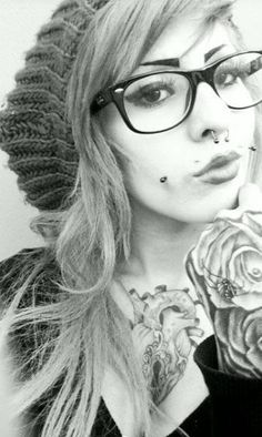 gauges, piercings, body modifications, and tattoos. Dimple Piercing, Cheek Piercings, Piercing Tattoo, Cartilage Piercings, Sexy Tattoos, Girl Tattoos, Labret Vertical, Et Tattoo, Tattoo Blog