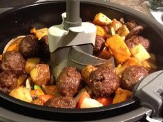 The Happy Cooker: Actifry Meat Ball Stew-I would adapt this to make my own meatballs! Air Fryer Recipes Snacks, Air Fry Recipes, Crockpot Recipes, Chicken Recipes, Cooking Recipes, Tefal Actifry, Healthy Menu, Healthy Recipes, Meatball Stew