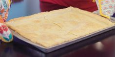 Forget store-bought pie dough: Our homemade pie crust recipe is perfectly flaky and oh, so easy. Pie Crust Uses, Easy Pie Crust, Pie Crust Recipes, Cake Mix Recipes, Pie Crusts, Yummy Recipes, Cobbler Crust, Cookie Cake Pie, How To Make Pie