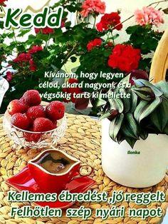 Essie, Strawberry, Fruit, The Fruit, Strawberry Fruit, Strawberries, Strawberry Plant