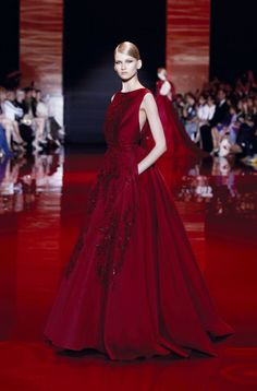ELIE SAAB Haute Couture Autumn-Winter 2013-14 - Beautiful colour and love the pockets.