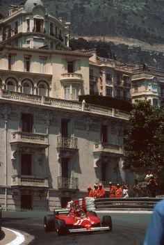 Gilles Villeneuve su Ferrari 126C 27 GP Monaco 1981