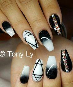 Black and white rhinestone diamond nails @tonysnail