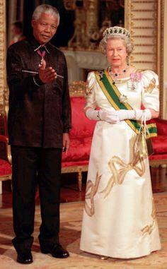 Dal Dalai Lama a Elisabetta II: chi e perchè non sarà ai funerali di Mandela   tuttacronaca http://tuttacronaca.wordpress.com/2013/12/09/dal-dalai-lama-a-elisabetta-ii-chi-e-perche-non-sara-ai-funerali-di-mandela/