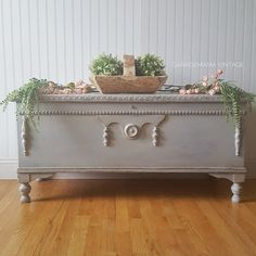 Vintage Hope Chest / Limestone Chalk Style Paint by General Finishes Refinish Hope Chest, Cedar Chest Redo, Painted Cedar Chest, Painted Trunk, Shabby Chic Furniture, Antique Furniture, Industrial Furniture, Vintage Industrial, Industrial Style