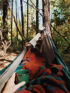 Outdoor Camping With Friends - Camping With Dogs Hammock - - - Lady Gaga Camping Fashion Adventure Awaits, Adventure Travel, Design Patio, Design Design, Camping Sauvage, Granola Girl, Camping Aesthetic, Camping Life, Camping Places