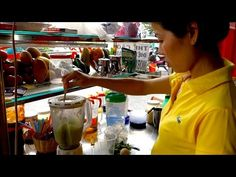 Sinh to - Vietnamese avocado shake - authentic video recipe from the streets of Saigon, Vietnam (source: my personnal food and travel blog / vlog with recipes, authentic video recipes, street food, food and travel documentary, travel info and more. Welcome! :) )