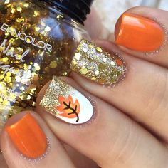 Autumn nail designs are exactly what you have been looking for, haven't you? Get ready to dive into the upcoming autumn nail trends!