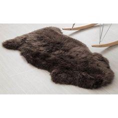 Grey Fur Rug, Diy Custom Closet, Dressing Room Closet, Closet Bedroom, Furano, Thing 1, Sheepskin Rug, No Photoshop, Online Home Decor Stores