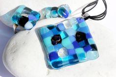 Blue glass mosaic jewelry set by CzinamonArt on Etsy Glass Jewelry, Jewelry Sets, Unique Jewelry, Mosaic Glass, Beaded Bracelets, Trending Outfits, Handmade Gifts, Blue, Etsy