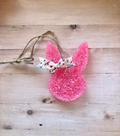 Car Smell, Aroma Beads, Arts And Crafts, Diy Crafts, Cactus Blossoms, Car Air Freshener, Apple Watch Bands, Bunny Rabbit, Rear View