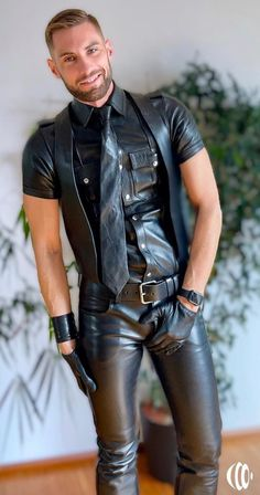 Mens Leather Pants, Tight Leather Pants, Future Husband, Camouflage Pants, Skinhead, Tights, Handsome, Guys, Jackets