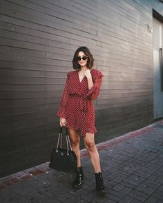 Healthy living tips wellness programs for women Grunge Outfits, Date Outfits, Casual Outfits, Girl Fashion, Fashion Outfits, Womens Fashion, Look Star, Dr. Martens, Pret A Porter Feminin