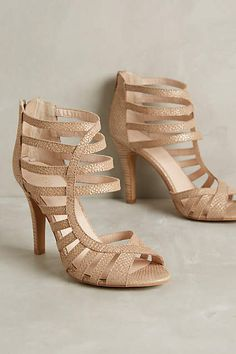 So pretty! Seychelles have created a line specifically for Anthropologie. like these in the neutral/gold color.