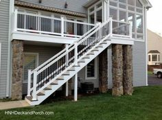 Vinyl Deck Staircase Using Wolf PVC Decking And Railing.
