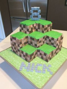 Awesome Minecraft House Plans Picture Minecraft House Plans, Easy Minecraft Houses, Minecraft House Tutorials, Easy Minecraft Cake, Minecraft Houses Blueprints, Minecraft House Designs, Minecraft Crafts, Minecraft Party, Minecraft Skins