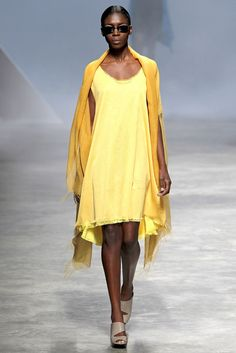 Issey Miyake Spring 2011 Ready-to-Wear Collection Photos - Vogue