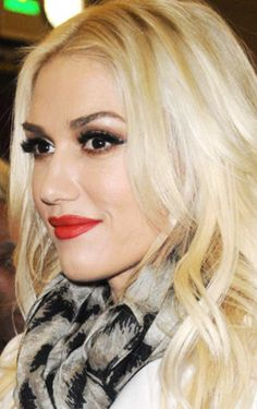Gwen Stefani - live the makeup, live the hair.