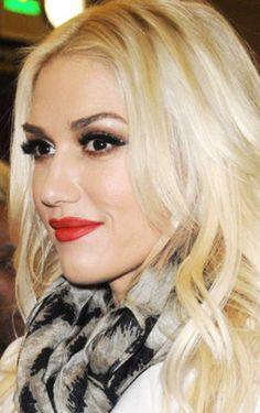 Gwen Stefani - live the makeup, live the hair.