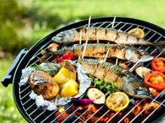 Hosting a healthier bbq - horizon family medical group - new york. Grilled Fish Recipes, Grilling Recipes, Seafood Recipes, Mackerel Fish, Barbecue, Bbq Dry Rub, Vegetarian Lunch, C'est Bon, Grilled Chicken Recipes
