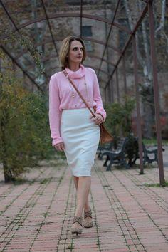 Margaret Dallospedale,White pencil skirt and Pink  #kissmylook