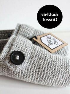 nurin-kurin: Virkkaa tossut! - ohje Easy Crochet, Knit Crochet, Crochet Hats, Knitted Slippers, Crafty Projects, Knitting Socks, Crochet Clothes, Handicraft, Diy And Crafts