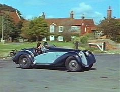 Poirot Locations | The The Adventure of the Italian Nobleman. The name of the car is obviously fictitious ( freccia is Italian for arrow) but a few minutes googling revealed to me that the car was a 1937 AlfaRomeo 8C. Agatha Christie's Poirot, Hercule Poirot, David Suchet, Cop Show, Crime Fiction, Filming Locations, Hercules, Dramas, Bbc