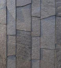 The architects in cooperation with Minera Skifer found a practical method of cutting costs: One edge of the slabs is left raw, ergo less time and effort for cutting. Stone Cladding Texture, Stone Cladding Exterior, Stone Facade, Stone Texture, Wall Texture Design, Stone Wall Design, Tiles Texture, Slate Stone, Stone Slab