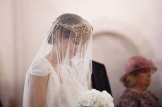 Ángela, una preciosa novia con velo {Foto, People Producciones} #veil #bride