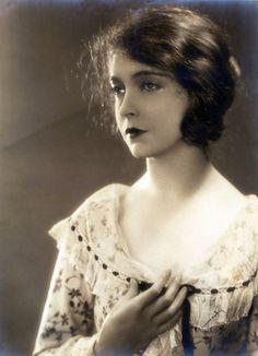 RH Louise Lillian Gish - Ruth Harriet Louise - Wikipedia