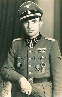 """Stubaf. (lDG WM: Ostubaf.) Otto Weidinger, RK 21.4. 44, Kdr. 4. Pz. Gren. Rgt. """"Der Führer"""""""