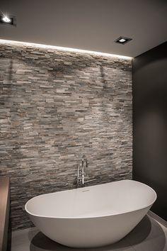 Bekijk badkamer Alkmaar en laat u inspireren! Woont u in de omgeving van Alkmaar en wenst u een nieuwe badkamer? Welkom bij De Eerste Kamer badkamers!