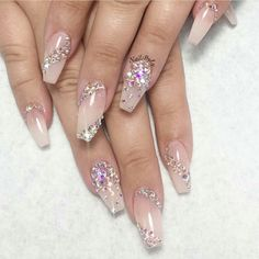 I absolutely adore this nails.
