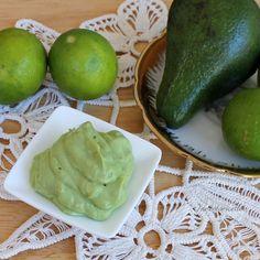 Salsa Guacamole | Ricetta originale e sue varianti Avocado Guacamole, Homemade Guacamole, Guacamole Recipe, Just Cooking, Healthy Cooking, Cooking Recipes, Mousse, Veggie Recipes, Healthy Recipes