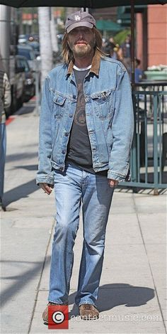 Tom Petty Thursday 8th October 2009 arriving at a medical building in Beverly Hills Los Angeles, California