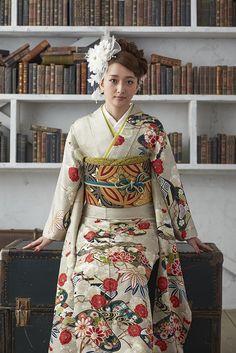 Japanese Costume, Japanese Kimono, Japanese Girl, Oriental, Modern Kimono, Kimono Design, Japan Outfit, Sari, Ethnic Outfits