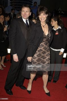 """John Ritter and Katy Segal starred in the short lived series Simple Rules"""". Unfortunately John Ritter died unexpectedly during its production. Famous Celebrities, Celebs, Stand Up Comics, John Ritter, Katey Sagal, In Hollywood, Hollywood California, Three's Company, Me Tv"""