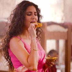 53 Ideas For Cute Dancing Quotes Beautiful Indian Celebrities, Bollywood Celebrities, Bollywood Actress, Katrina Kaif Hot Pics, Katrina Kaif Photo, Indian Makeup Trends, Beautiful Indian Actress, Beautiful Actresses, Katrina Kaif Dresses