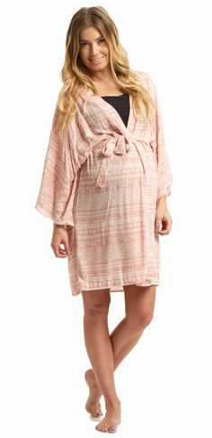 A tribal printed hospital maternity robe to make sure your visit during and after the hospital is comfortable and stylish. With the perfect pale hues, a feminine design, and a lightweight material, you can have a beautiful piece to keep cool in.