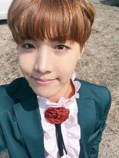 Twitter upload @BTS_twt JHope selca [160422] 2 #방탄소년단 #BTS #정호석 #JHOPE