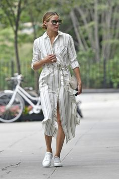 Olivia Palermo in striped shirt dress and little white shoe Source by dress Olivia Palermo Outfit, Estilo Olivia Palermo, Olivia Palermo Lookbook, Striped Shirt Dress, Summer Lookbook, Summer Dress Outfits, Summer Shirts, Mode Inspiration, Street Style