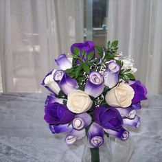 Purple and white wedding bouquet Wooden Roses, White Wedding Bouquets, Floral Wreath, Wreaths, Thoughts, Purple, Flowers, Crafts, Ideas
