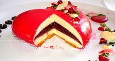 un piccolo cuore per il tuo compleanno..!. una perla rubino, bavarese al cioccolato bianco e gelèè hai frutti rossi e glassa Berry https://www.youtube.com/watch?v=W5vfMkVf6U4
