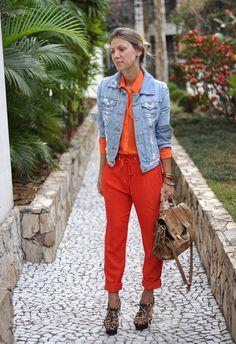 nati vozza - glam4you - laranja - ton sur ton - look - calca - carrot - cenoura - onca - jaqueta jeans - jeans