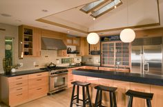 Kitchen remodel in Los Altos; design and construction by General Contractor, RemodelWest.    www.remodelwest.com