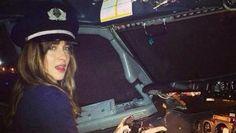 50 nuances de Grey : Dakota Johnson aux commandes du Charlie Tango ! (Photo)