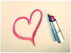Mutluluk bazen sadece bir Rujdan ibaretdir :)  #cosmetic #beauty #beautyfull #kozmetik #guzellik #lipstick #love #cosmohome