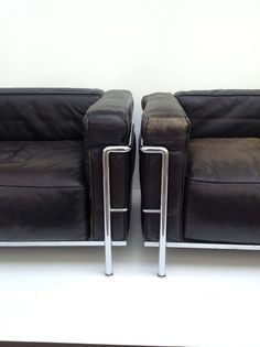 A pair of Le Corbusier LC3 Lounge Chairs by Cassina image 4