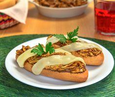 Molletes de Mole almendrado con pollo y queso manchego¡¡¡ http://diazalex65.wordpress.com/