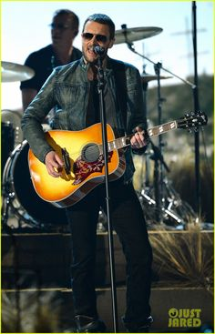 Eric Church Performs 'Give Me Back My Hometown' at ACM Awards 2014! (Video) | eric church performs give me back my hometown at acm awards 20...